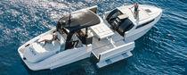 Inboard express cruiser / stepped hull / open / high-performance