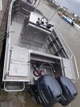 Outboard express cruiser / open / center console / aluminum