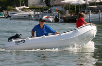 Outboard small boat / rotation-molded / 3-person