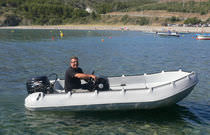 Outboard small boat / center console / rotation-molded / 6-person max.