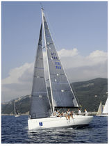 Cruising-racing sailboat / open transom