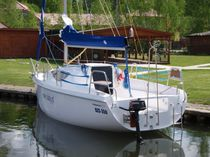 Cruising sailboat / open transom / 6-berth