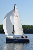 Cruising sailboat / open transom / 4-berth