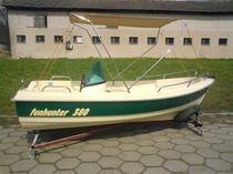 Outboard open boat
