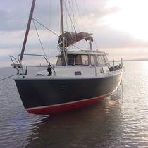 Cruising sailboat / with enclosed cockpit / 4-berth