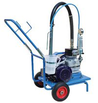 Mobile spraying machine / shipyard