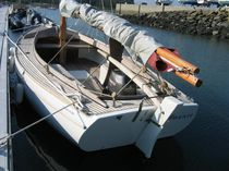 Day-sailer / classic / open transom