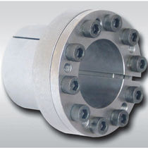 Expandible axle mechanical coupling / for boats / for shafts