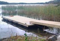 Dock gangway / wooden