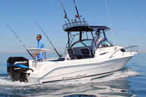 Outboard day cruiser / sport-fishing / 6-person max.