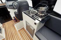 Inboard cabin cruiser / open / 8-person max. / sundeck