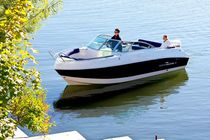 Inboard runabout / bow-rider / 8-person max. / sundeck