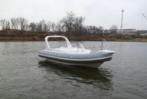 Outboard inflatable boat / semi-rigid / side console / 8-person max.