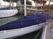 Protective cover / for sailboats