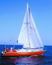 Mainsail / for cruising sailboats / cross-cut / Dacron®