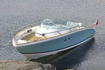 Inboard cabin cruiser / open / 9-person max. / twin-berth