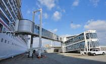 Harbor gangways / terminal / telescopic / motorized