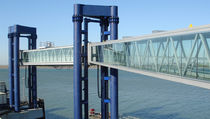 Port gangway / for ferries / terminal / motorized