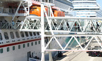 Cruise ship gangway / for harbors / for ferries / terminal