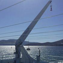 Yacht davit / hydraulic / electric / rotating