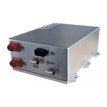 Voltage converter / DC / AC / DC
