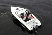 Outboard runabout / 6-person max. / with cabin