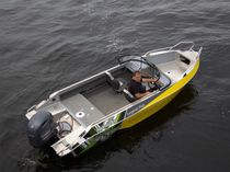 Outboard runabout / bowrider / sport-fishing / 6-person max.