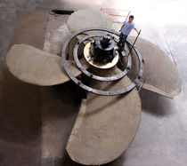Ship propeller / fixed-pitch / shaft drive / 4-blade