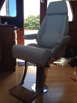 Helm seat / for boats / for yachts / with armrests