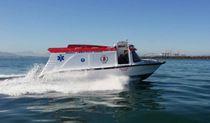 Outboard ambulance boat