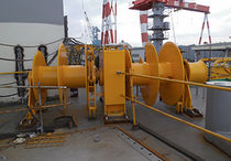 Anchor winch / for ships / hydraulic drive / single-drum
