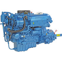 boat engine : in-board diesel engine 30 - 40 hp (indirect injection, natural aspiration) N4.38 (38 HP @ 3000 RPM) Nanni Industries