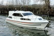 canal boat : flybridge express-cruiser 1120 AFT CABIN Sheerline