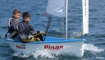 children's sailing dinghy PIPAS Philéas Boats