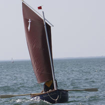 classic sailing and rowing open boat LE LASCAR DU TOUL'RU La GAZELLE DES SABLES