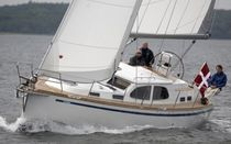 cruising sailboat (deck saloon, teak deck) 380 DS Nordship