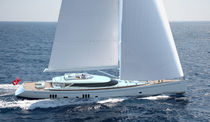 cruising sailboat : luxury sailing-super-yacht de croisi&egrave;re (center cockpit) OYSTER 125 RMK Yachts
