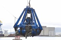 discharge peel grab for bulk carrier ships  The Grab Specialist BV T.G.S. 