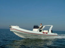 dive-boat : rigid inflatable boat (outboard, center console) 680 SPORT Mariner