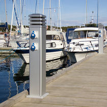 dock power and water pedestal (with integrated light) T4 Tallykey