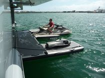 floating jet-ski drive-on dock  Praktek