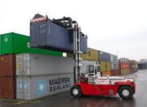loaded container handler (with top-lift spreader) 47T SVETRUCK