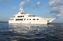 luxury yacht : displacement super-yacht (aluminium, tri-deck, custom-made) M/Y BIG ZIP Trinity Yachts
