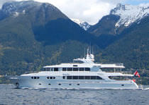 luxury yacht : semi-displacement mega-yacht STATUS QUO  Richmond Yachts