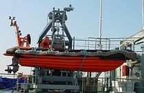 MOB boat davit for ships (hydraulic, with docking frame) A-FRAME GLOBAL DAVIT