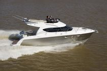 motor-boat : flybridge express-cruiser 35 Aqualumyachts.com