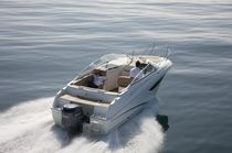 motor-boat : outboard cabin-cruiser CAP CAMARAT 7.5 DC Jeanneau - Motorboats