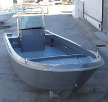 motor-boat : outboard center console boat (utility) BREEZE 820 Conero