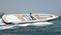 motor-boat : in-board center console boat (yacht tender) CHASE 38 Novurania