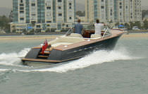 motor-boat : in-board runabout (with cabin) UT-32 Runabout UP-TIDE